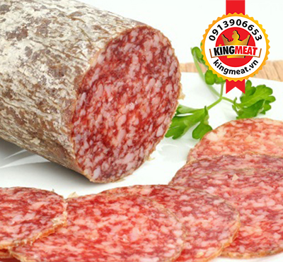 xuc-xich-kho-hungary-cat-lat-hungarian-salami-sliced-03